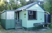 Doughboy Bay Hut . Rakiura National Park, Stewart Island/Rakiura