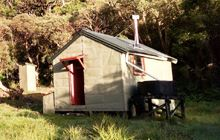 Dunns Creek Hut . Kelly Range - Styx River area