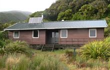 Holly Hut . Egmont National Park, North Egmont area