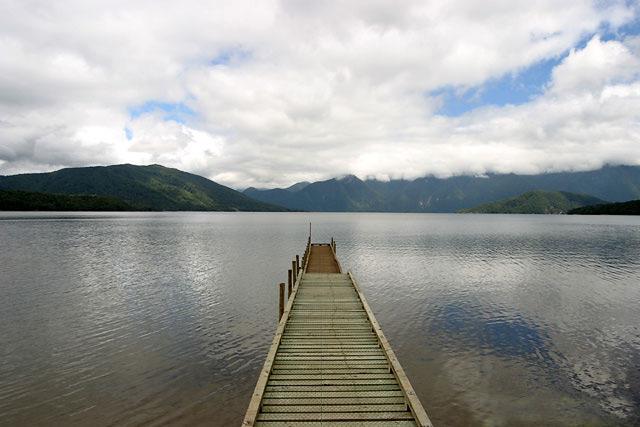 Lake_Hauroko