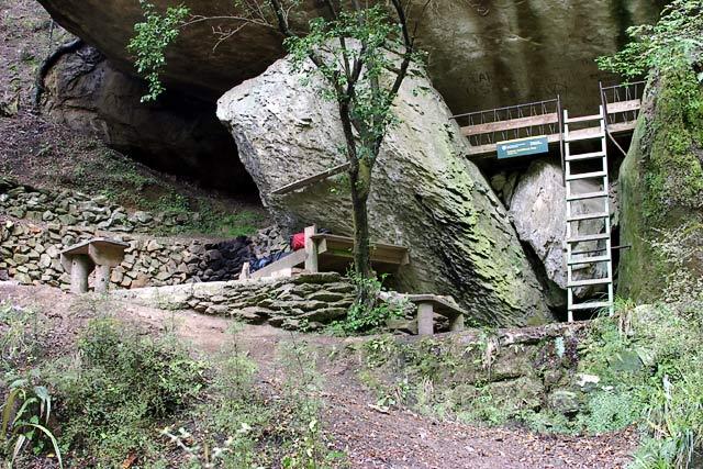 gridiron_rock_shelter